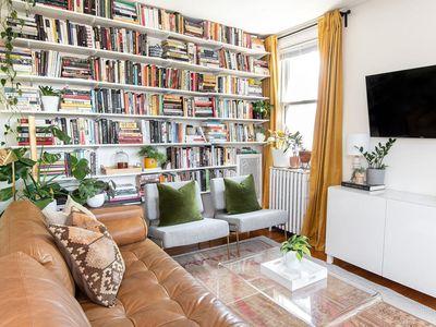 maximalist bookshelves
