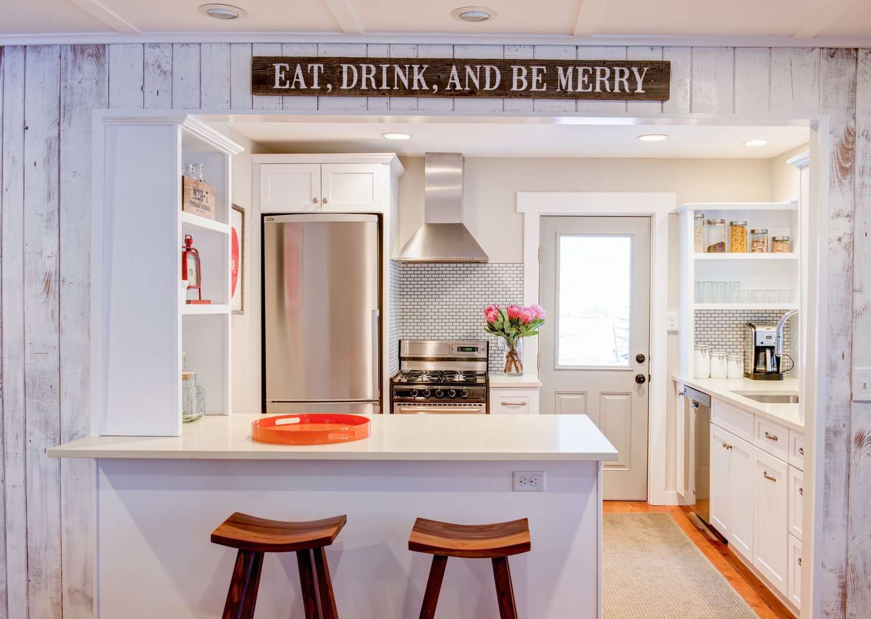 20 Modern Cottage Kitchens For Every Decorating Taste
