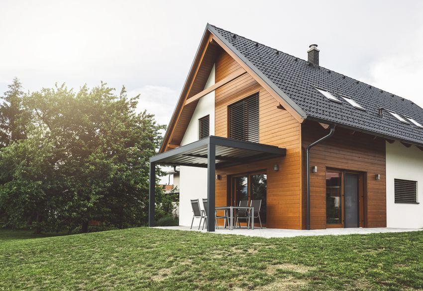 Construction of new suburban house