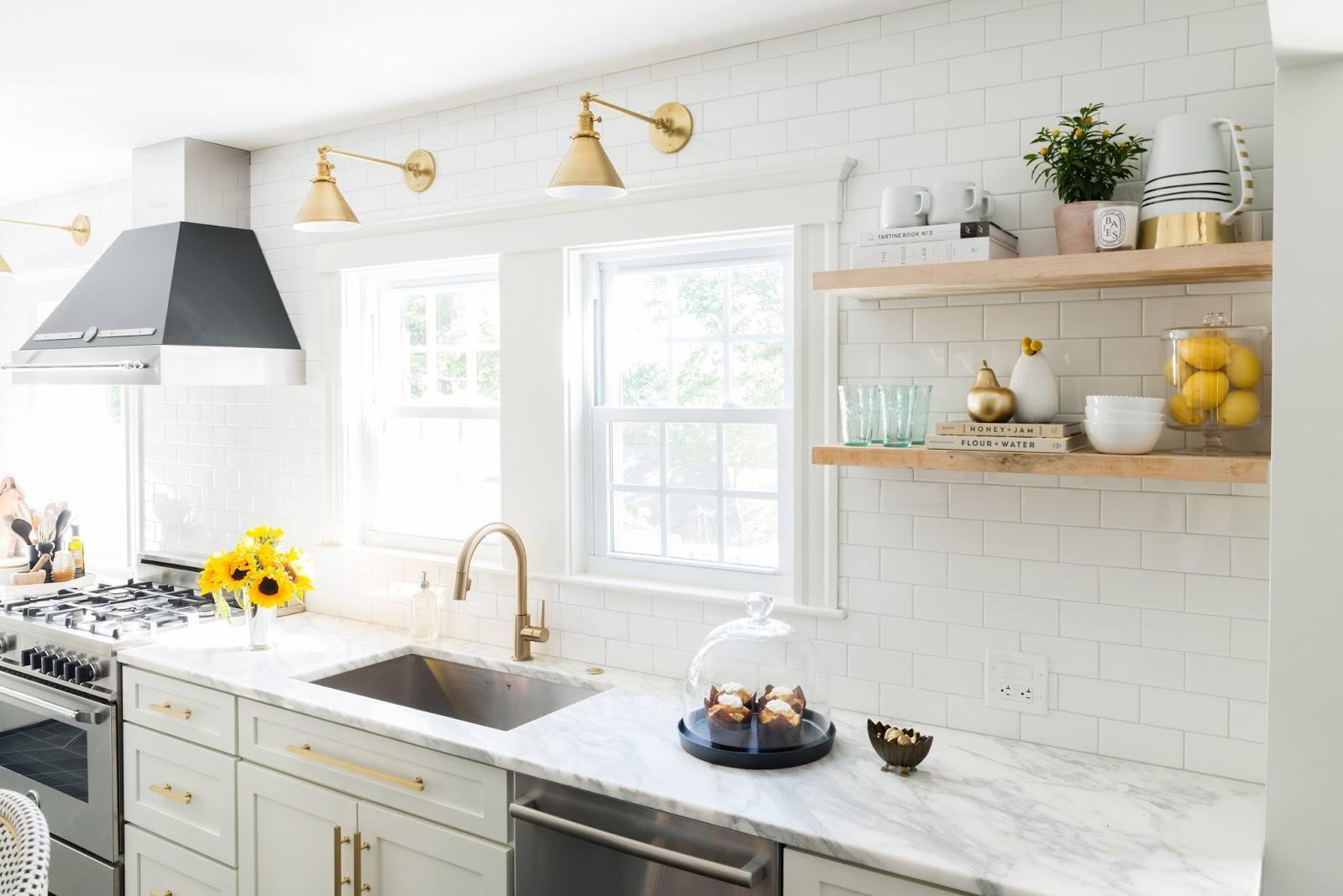 Sophisticated-Farmhouse-kitchen-blogger