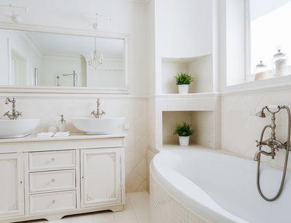 Bathtub Refinishing Vs Tub Liners