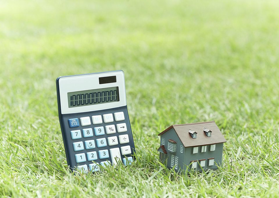 There's a bit of math involved in lawn care. Get help from these free online calculators.