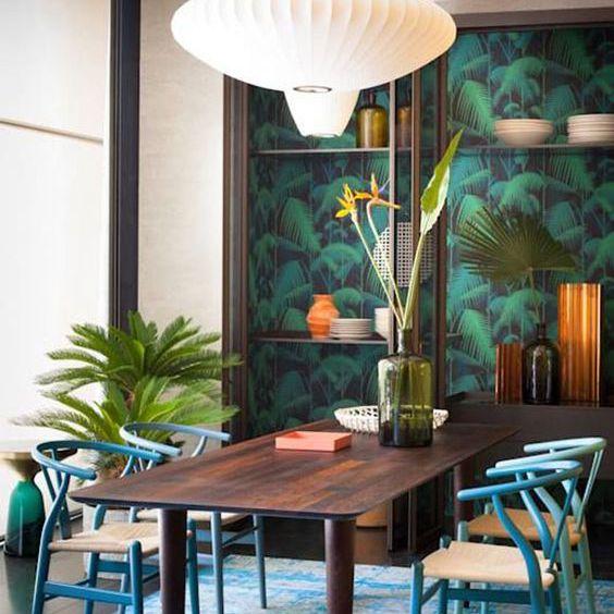 palm leaf dining room wallpaper