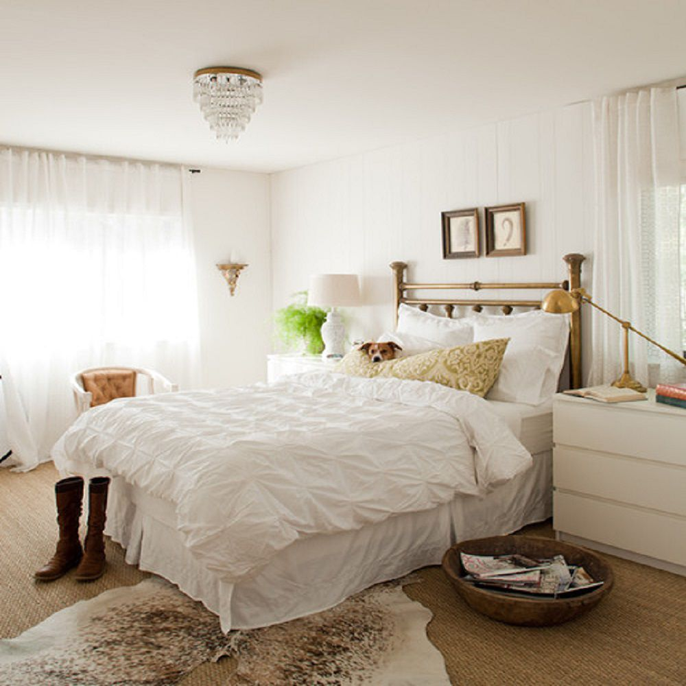 Awe Inspiring White Bedroom Walls With Furniture Interior Design Ideas Greaswefileorg