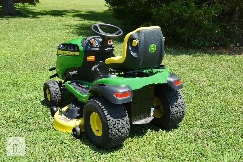 John Deere E160 Lawn Tractor