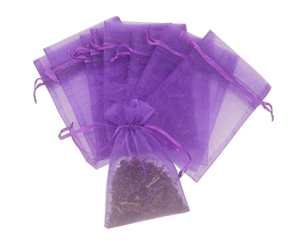 Create Sachets To Protect Clothes From Insects