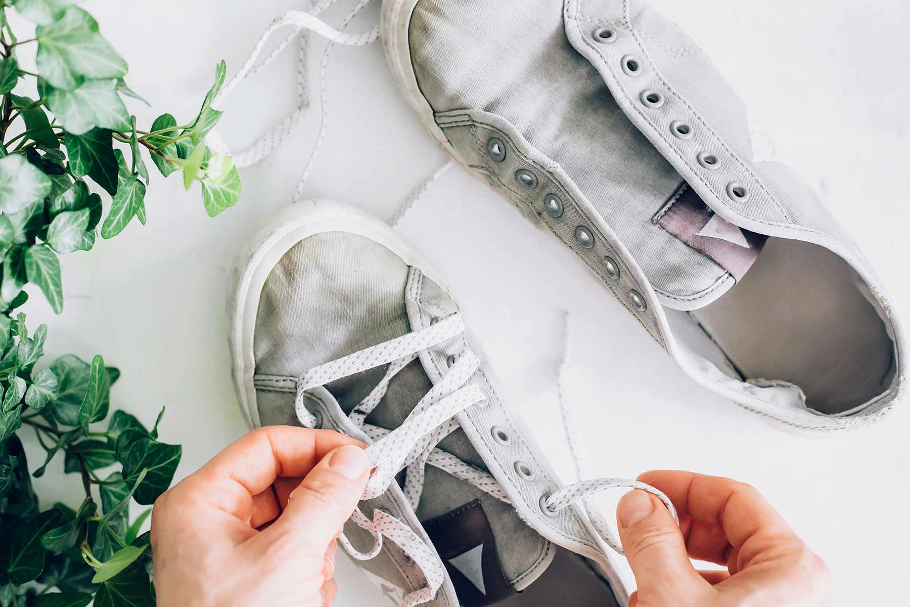 unlacing shoes