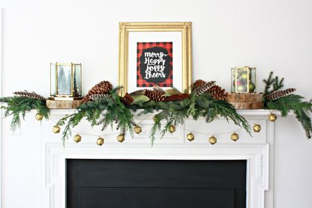 clean and stylish christmas mantel - 34 Easy And Elegant Christmas Mantel Ideas
