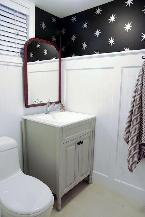 20 Beautiful Wallpapered Bathrooms