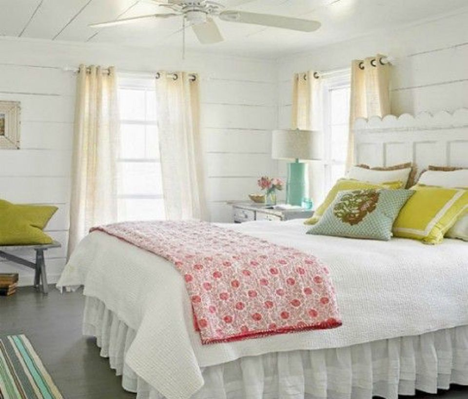 inspiring country chic bedroom decorating ideas | Photos and Tips for Decorating a Country Style Bedroom
