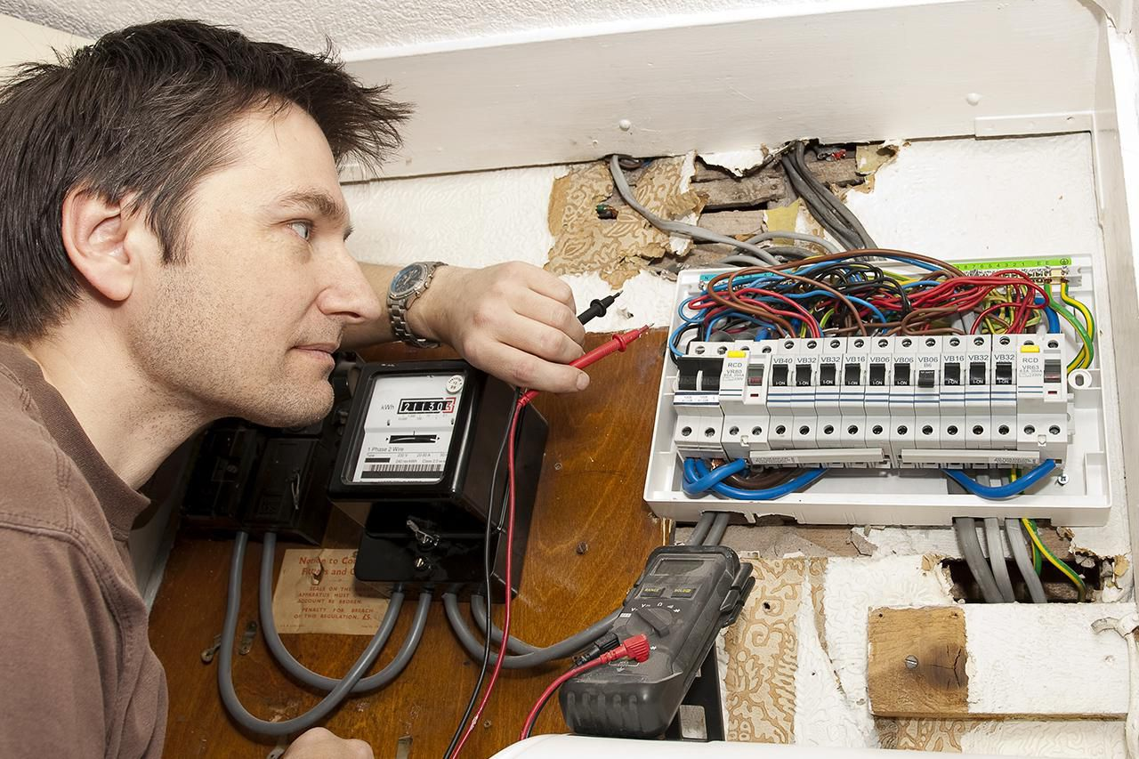 How To Test Fuses Using A Multi Meter Inspect The Size Of Main Electrical Disconnect Fuse Or