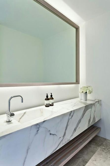 tocador de baño de mármol
