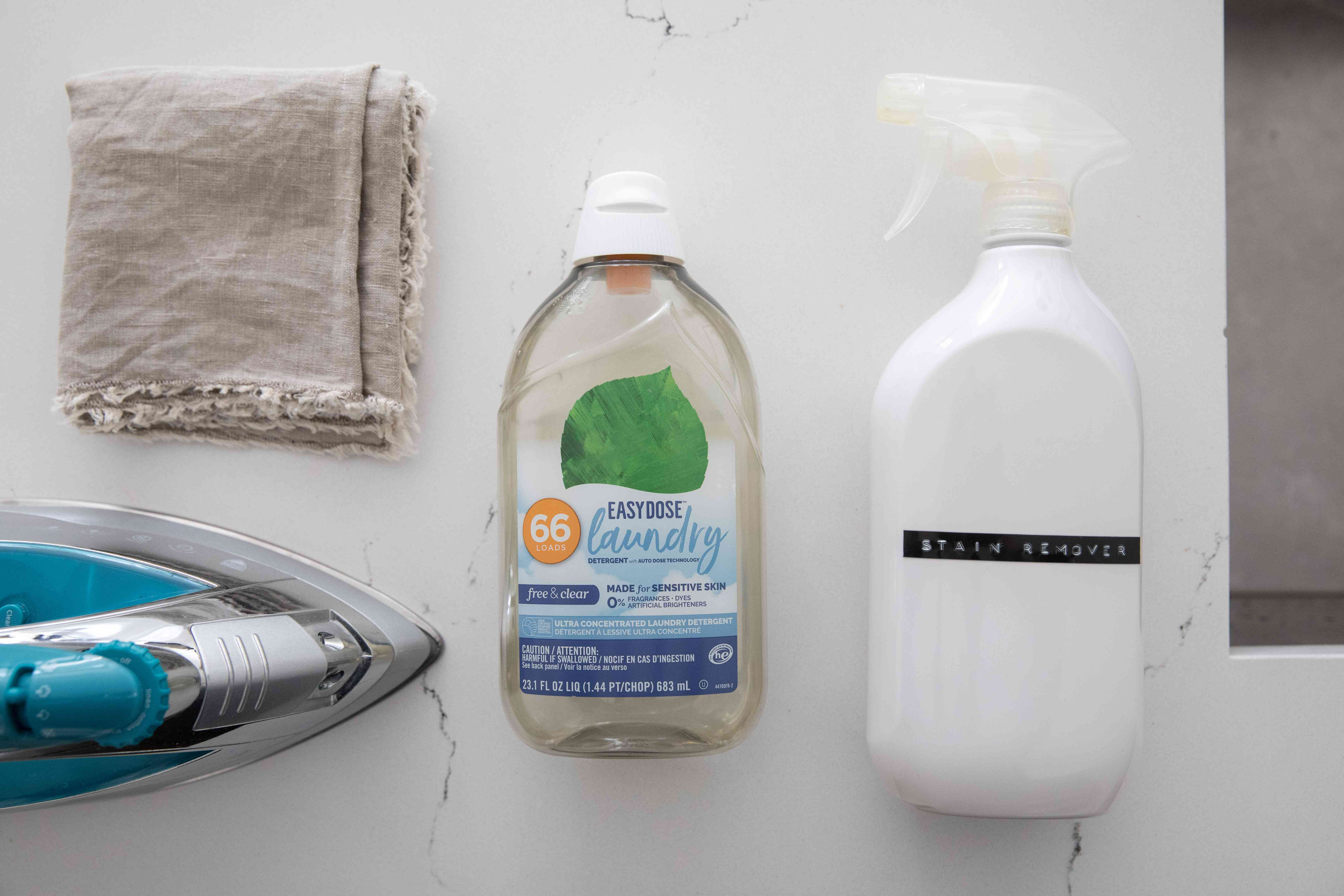 Materials and tools to wash and care for acrylic clothes