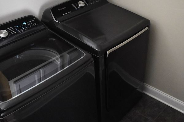 Samsung 7.4 Electric Dryer with Steam Sanitize+