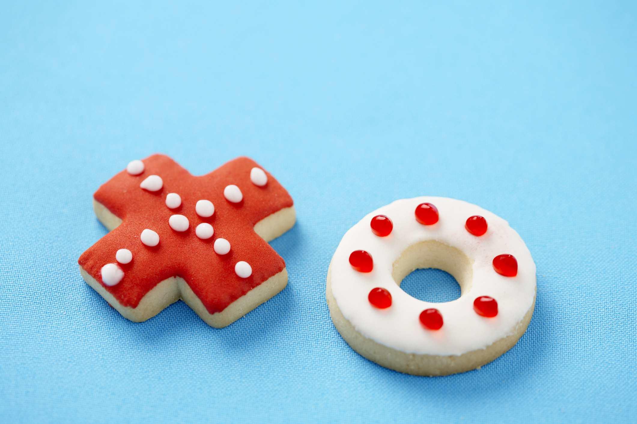 """""""XO"""" valentine cookies."""