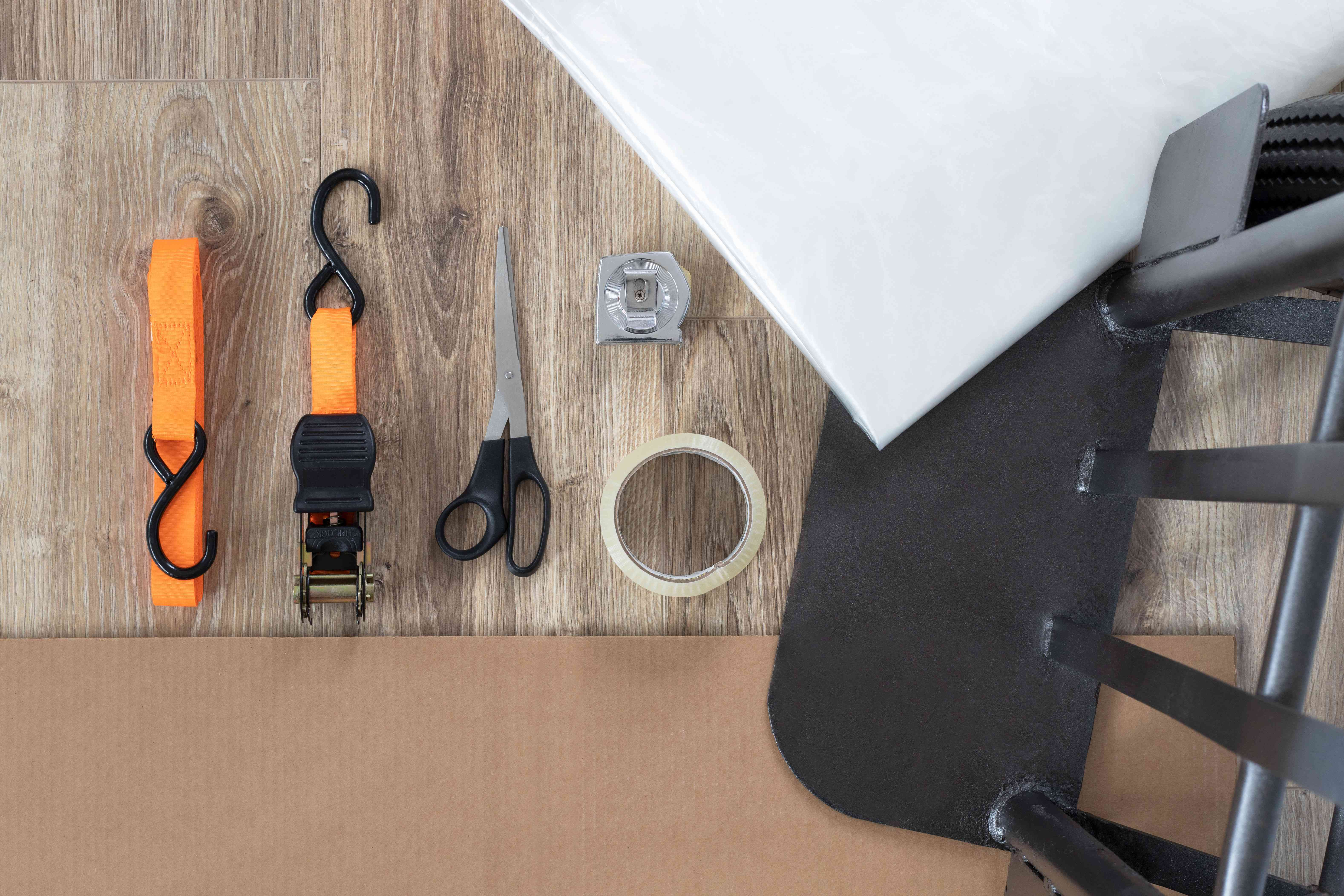Materials and tools to move and store a mattress