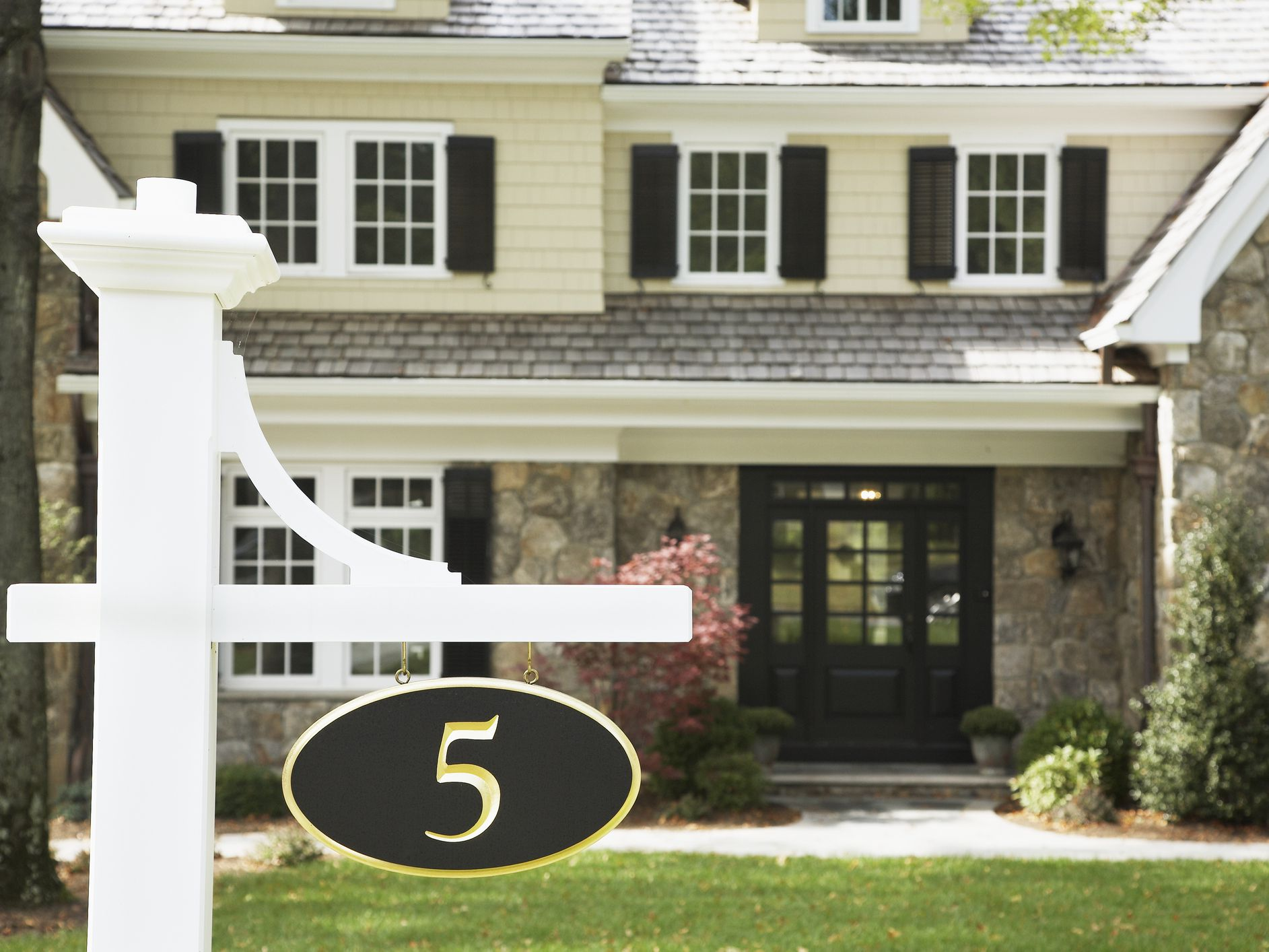 What Numbers Have Good Feng Shui for a Home?