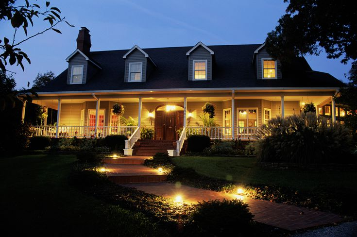 Line Vs Low Voltage Pathway Lights, Outdoor Path Lights Hardwired