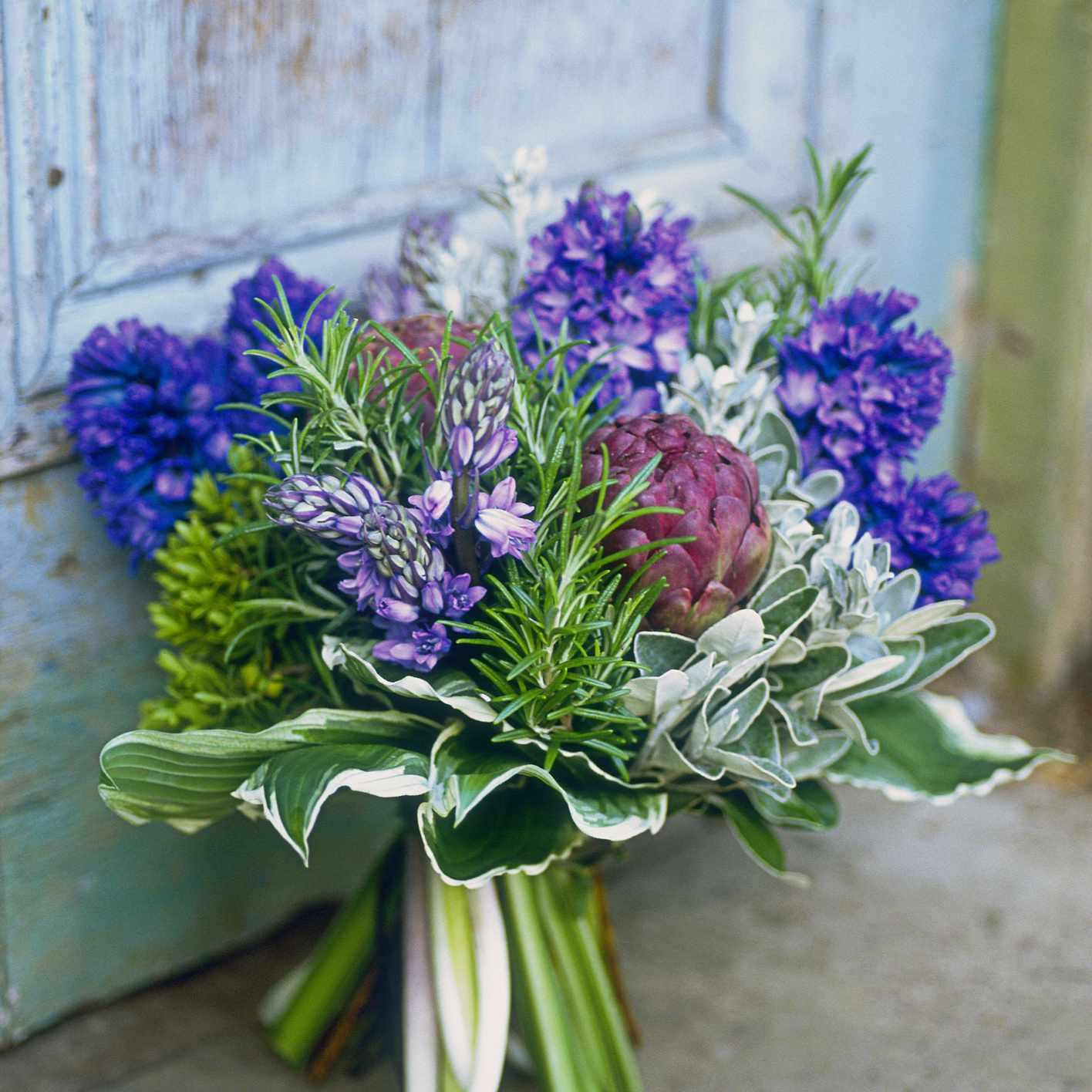 Stylish Purple Bridal Bouquets That Sizzle
