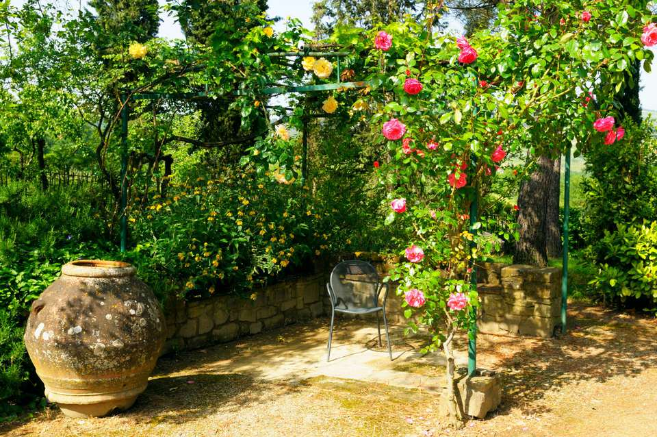 Mediterranean gazebo with roses