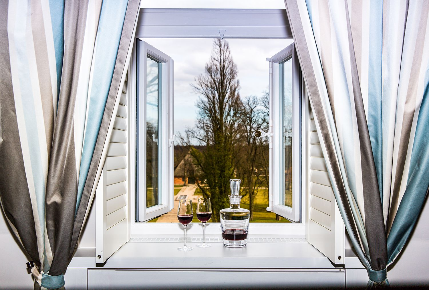 Pros and cons of popular window styles
