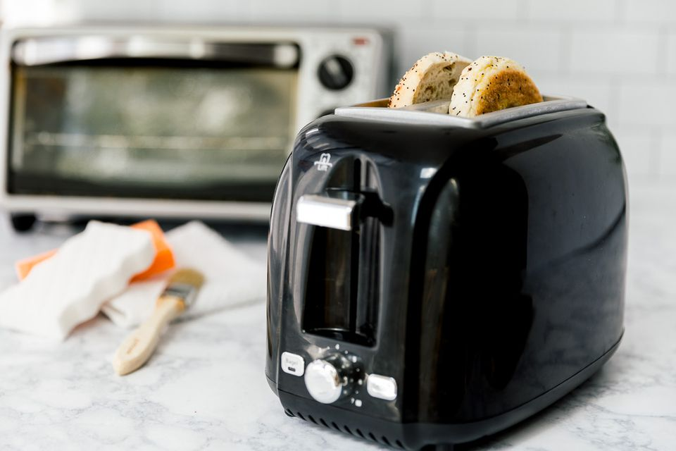 toaster and toaster oven