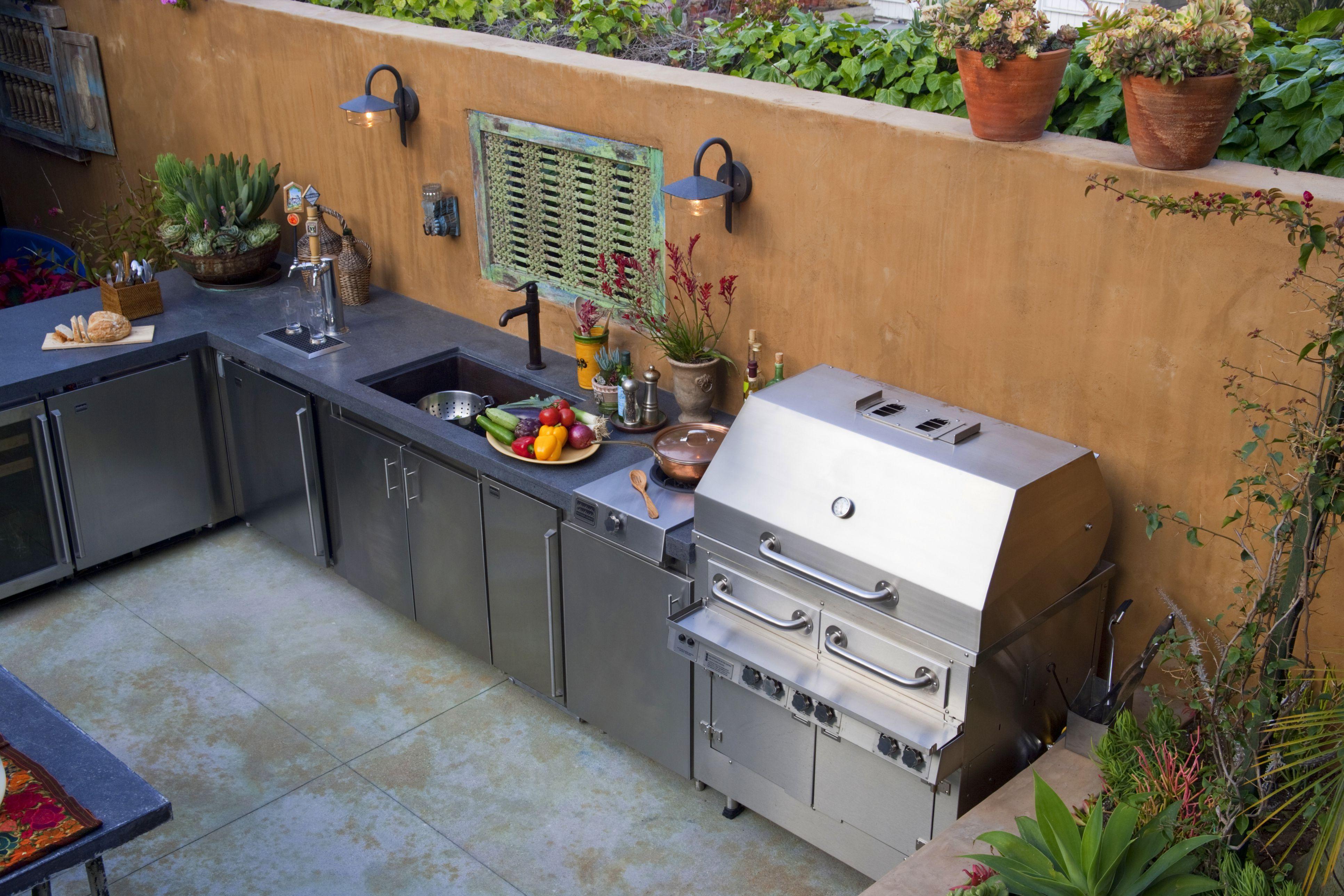 bonita cocina al aire libre
