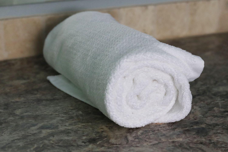 Everplush Diamond Jacquard Quick Dry Bath Towel