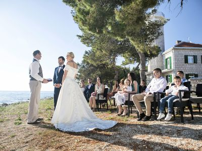 Alternatives and Modern Ways to Give Away the Bride