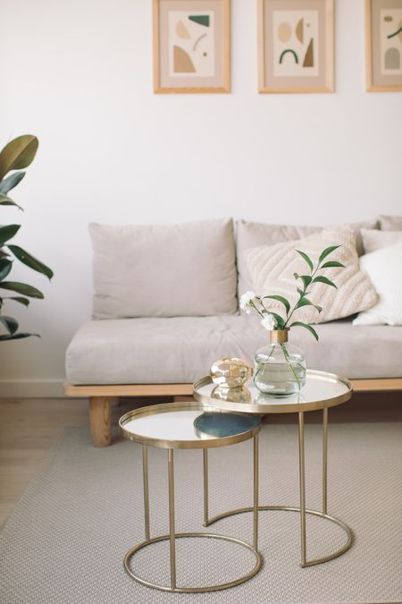 Watch Now 5 Clever Tips For Decorating A Narrow Living Room