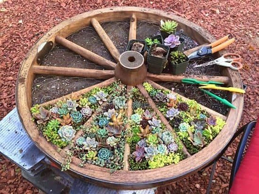 Wagon Wheel Planter