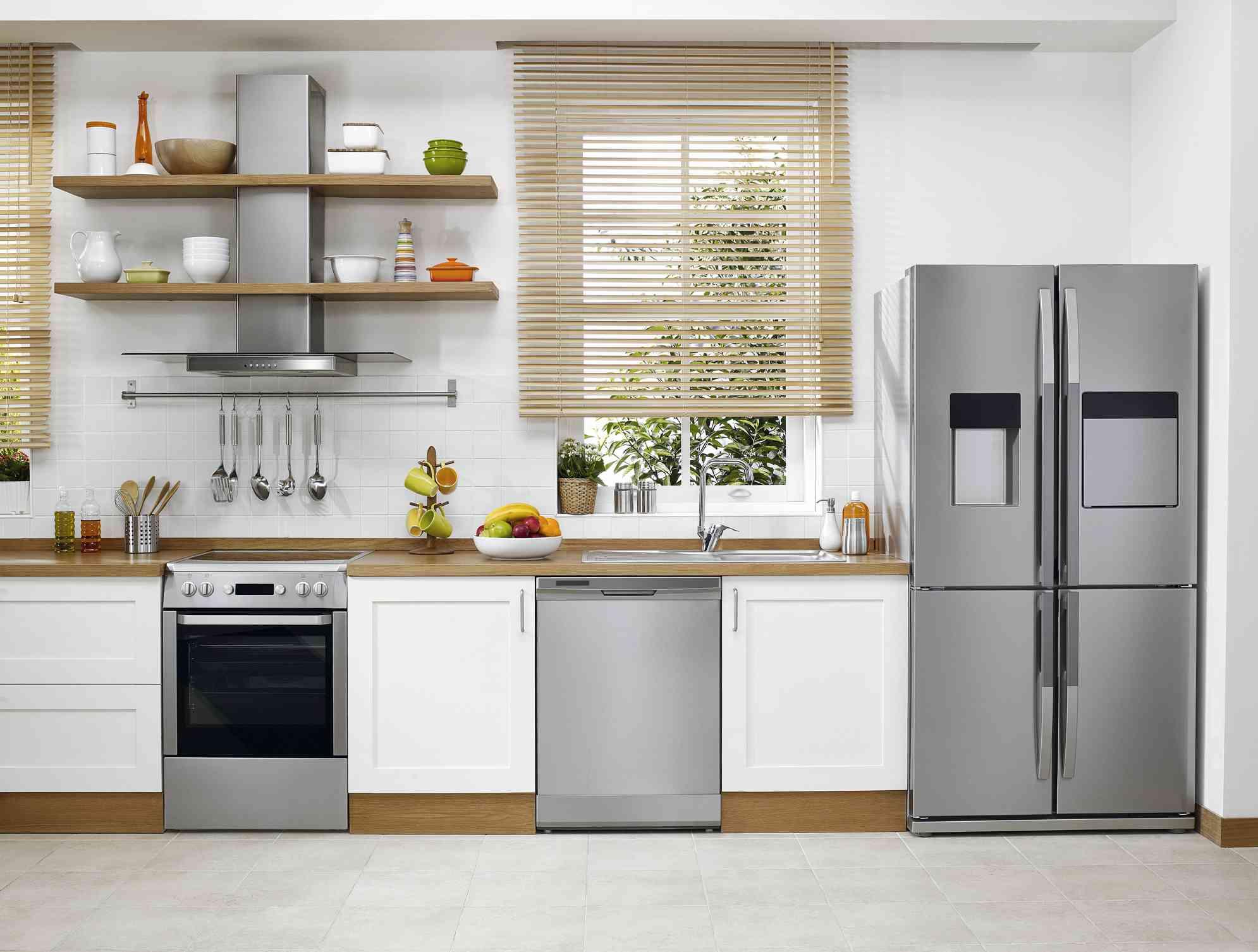 Kitchen Backsplash Next to Refrigerator