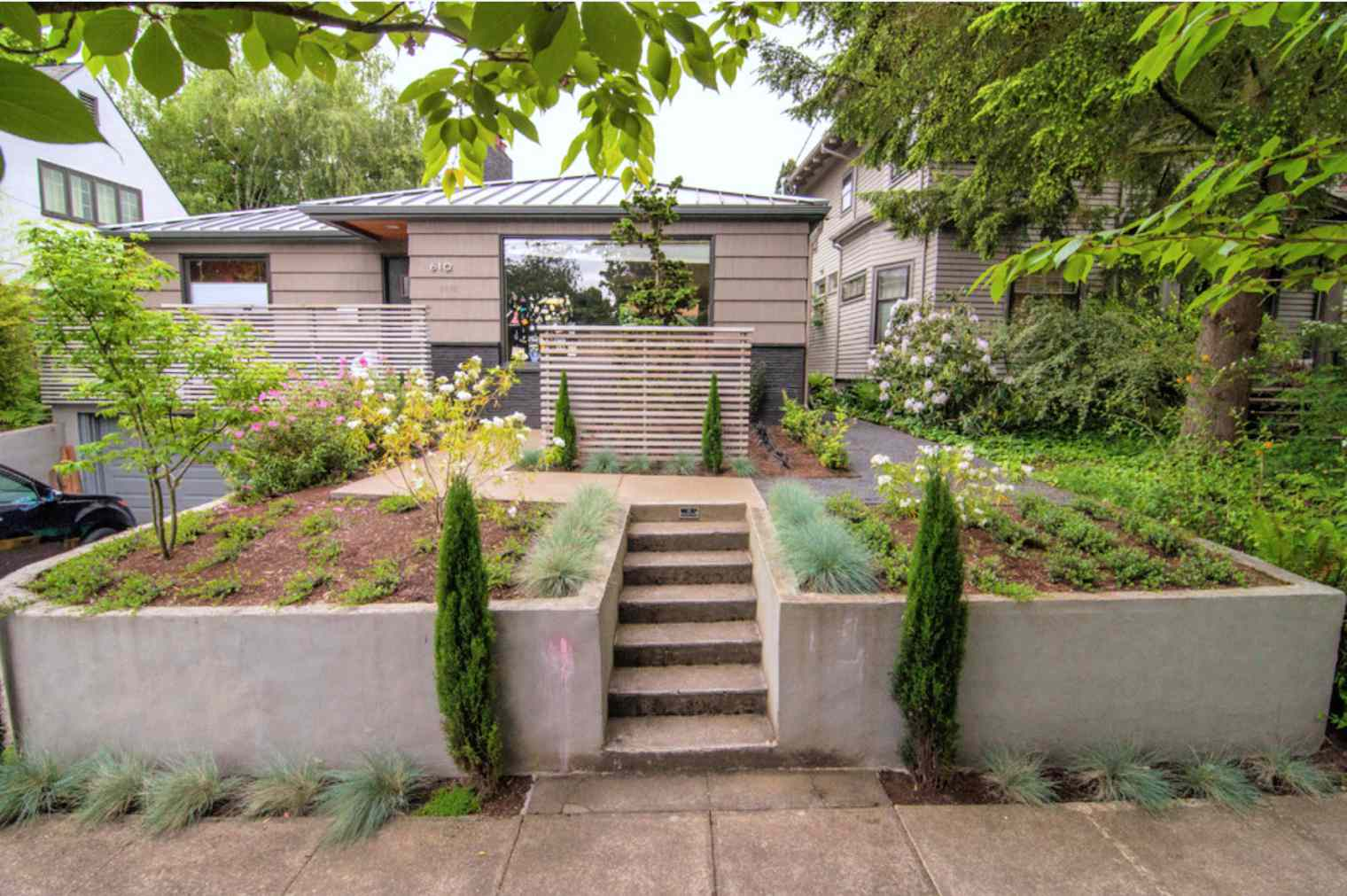 diseño de jardín moderno de mediados de siglo