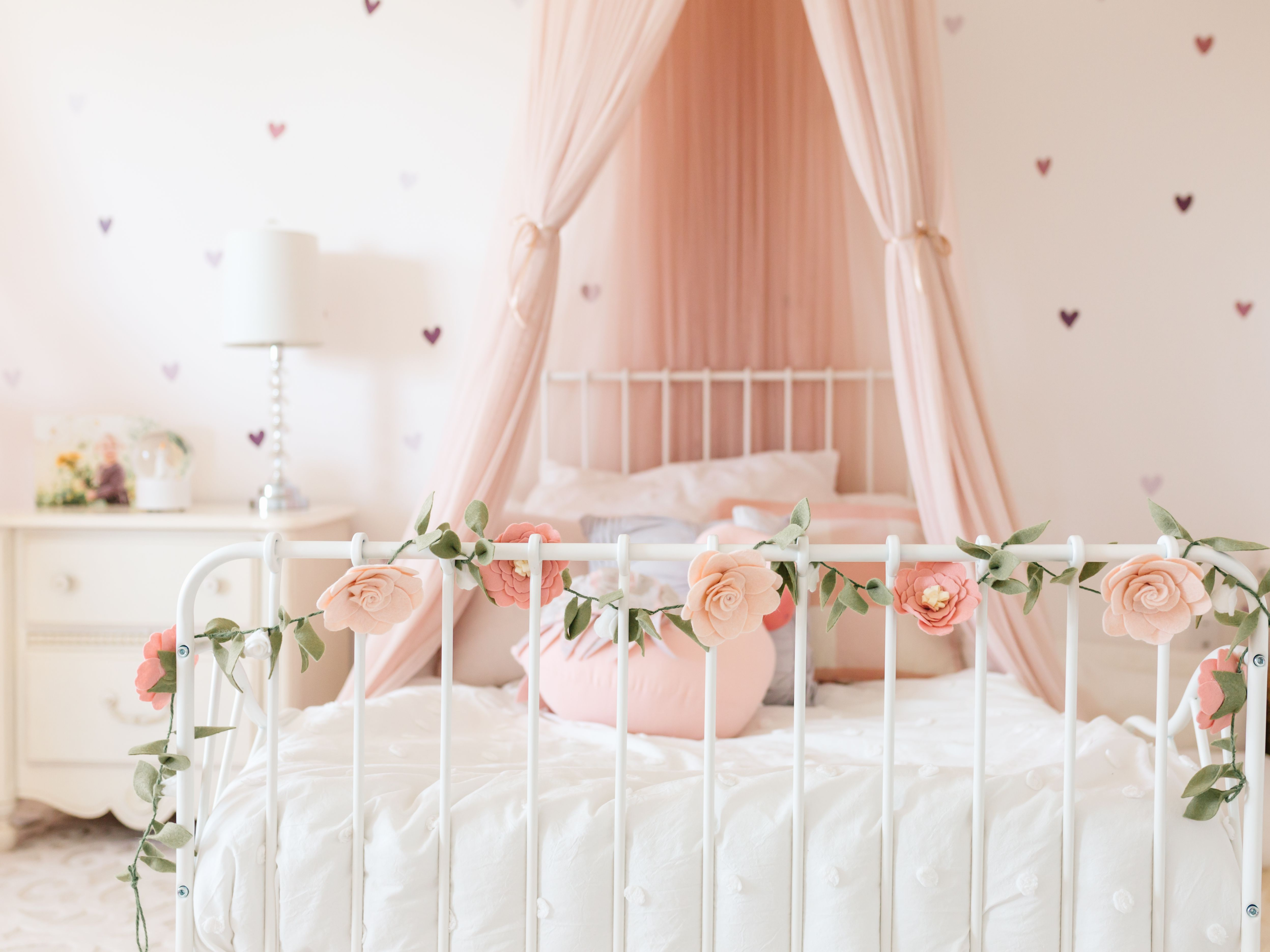 21 Great Ideas For A Canopy Bed In A Girl S Room
