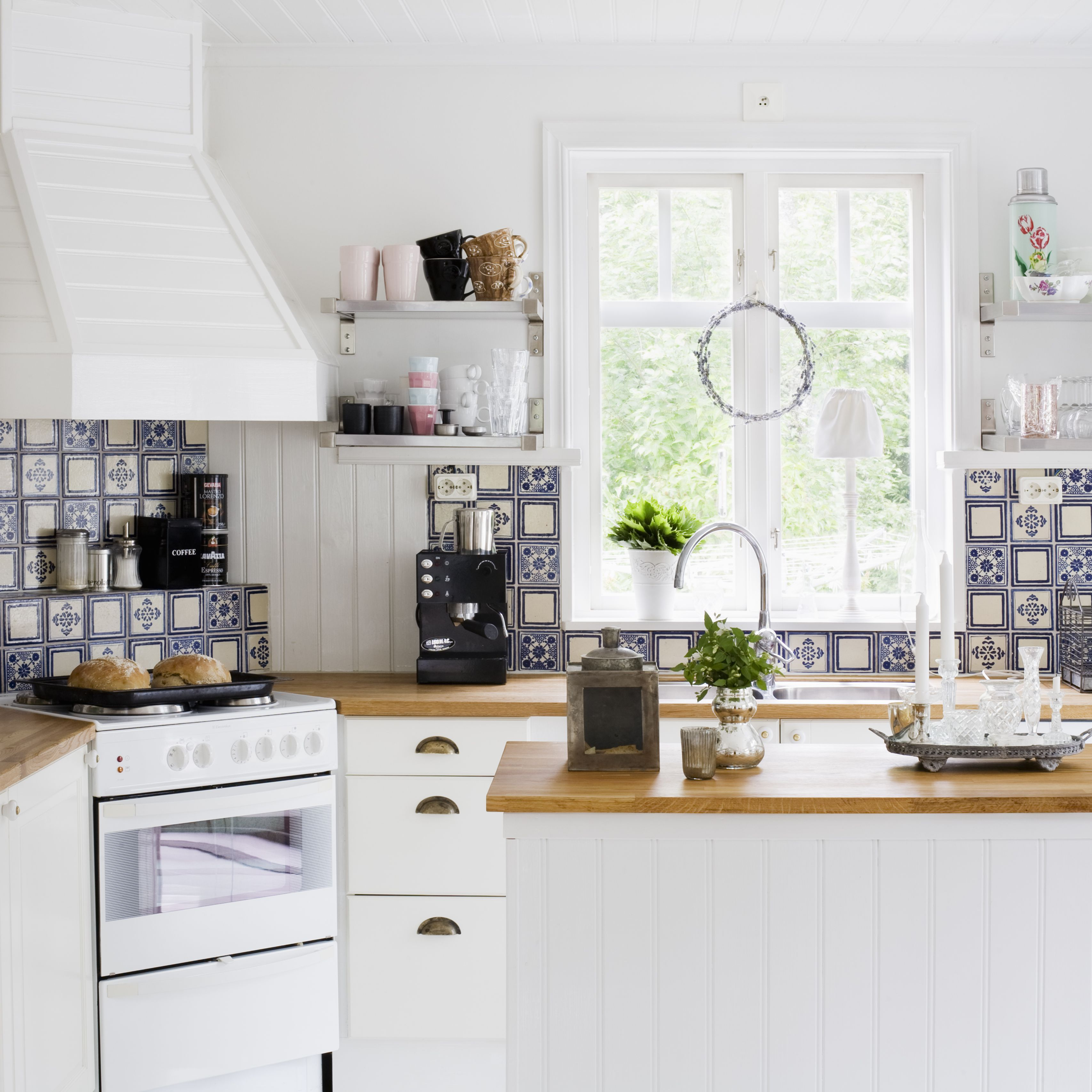 Beautify Your Cooking Space With the Best Paint for Kitchens
