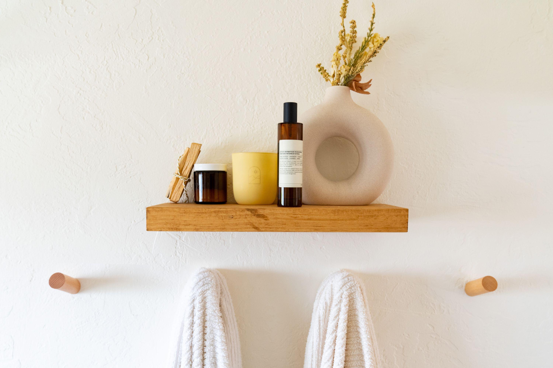 17 Small Bathroom Shelf Ideas, Bathroom Shelves With Towel Bar Ideas
