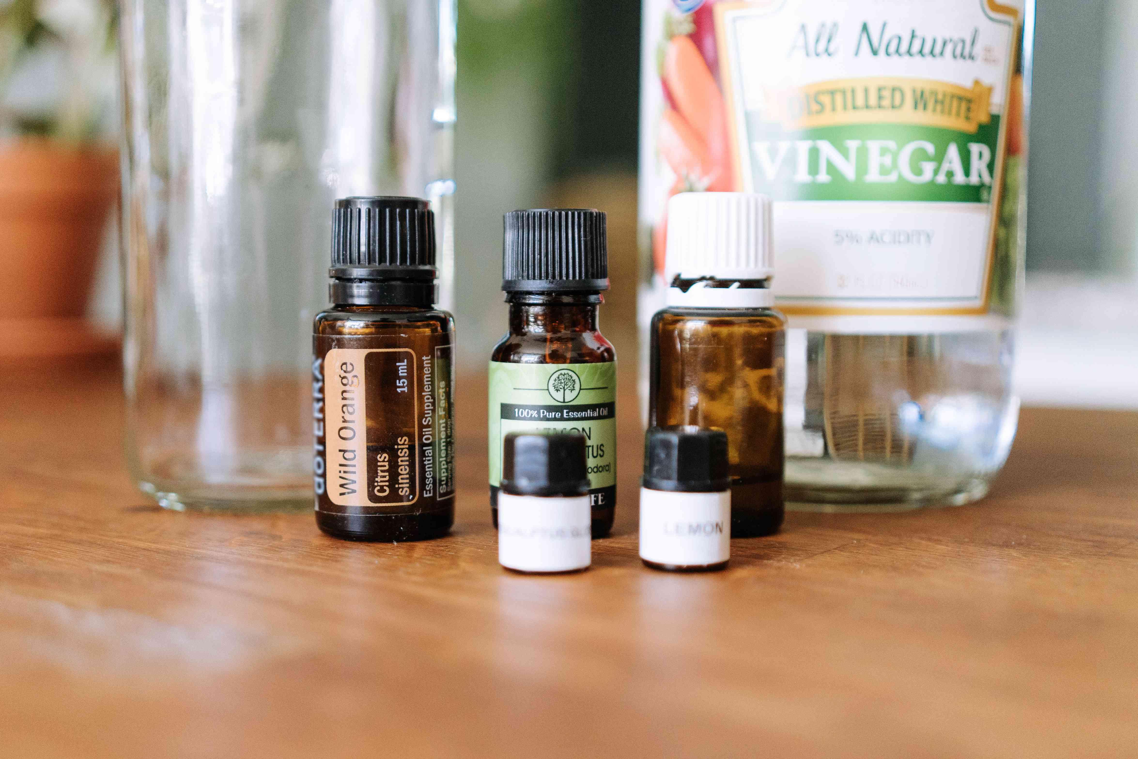 essential oils and vinegar