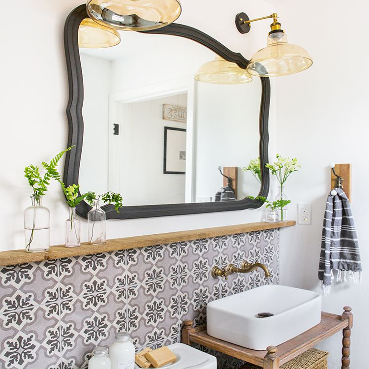 17 Small Bathroom Shelf Ideas