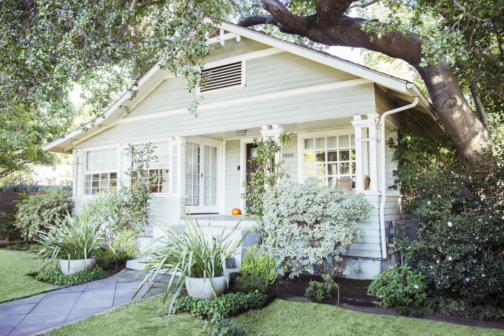 Expertly-Crafted Paint Schemes for Your Home Exterior