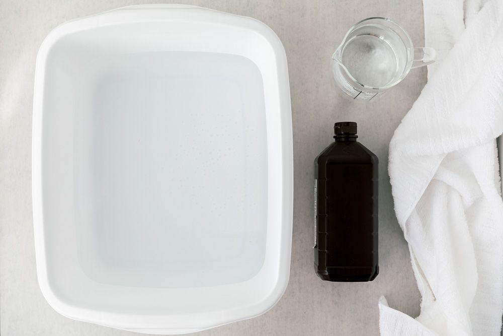 Hydrogen peroxide foot soak solution
