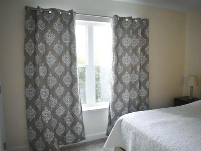 Unique Ways To Hang Your Curtains,Rustic Industrial Interior Design Bedroom