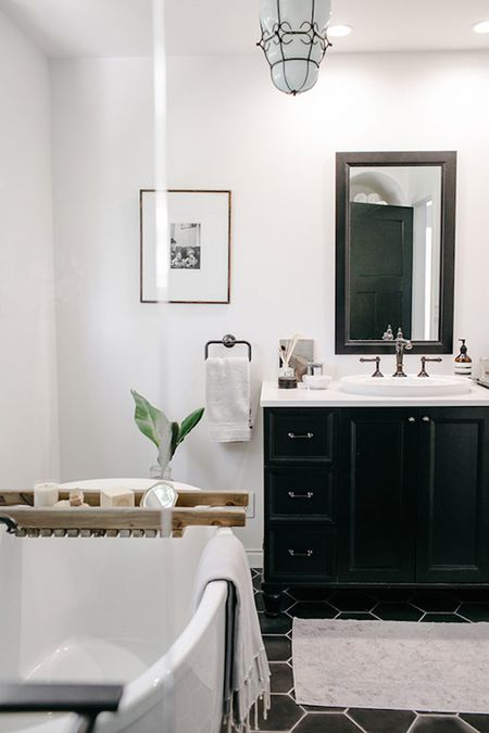 Peachy 15 Bathroom Wall Decor Ideas Download Free Architecture Designs Lukepmadebymaigaardcom