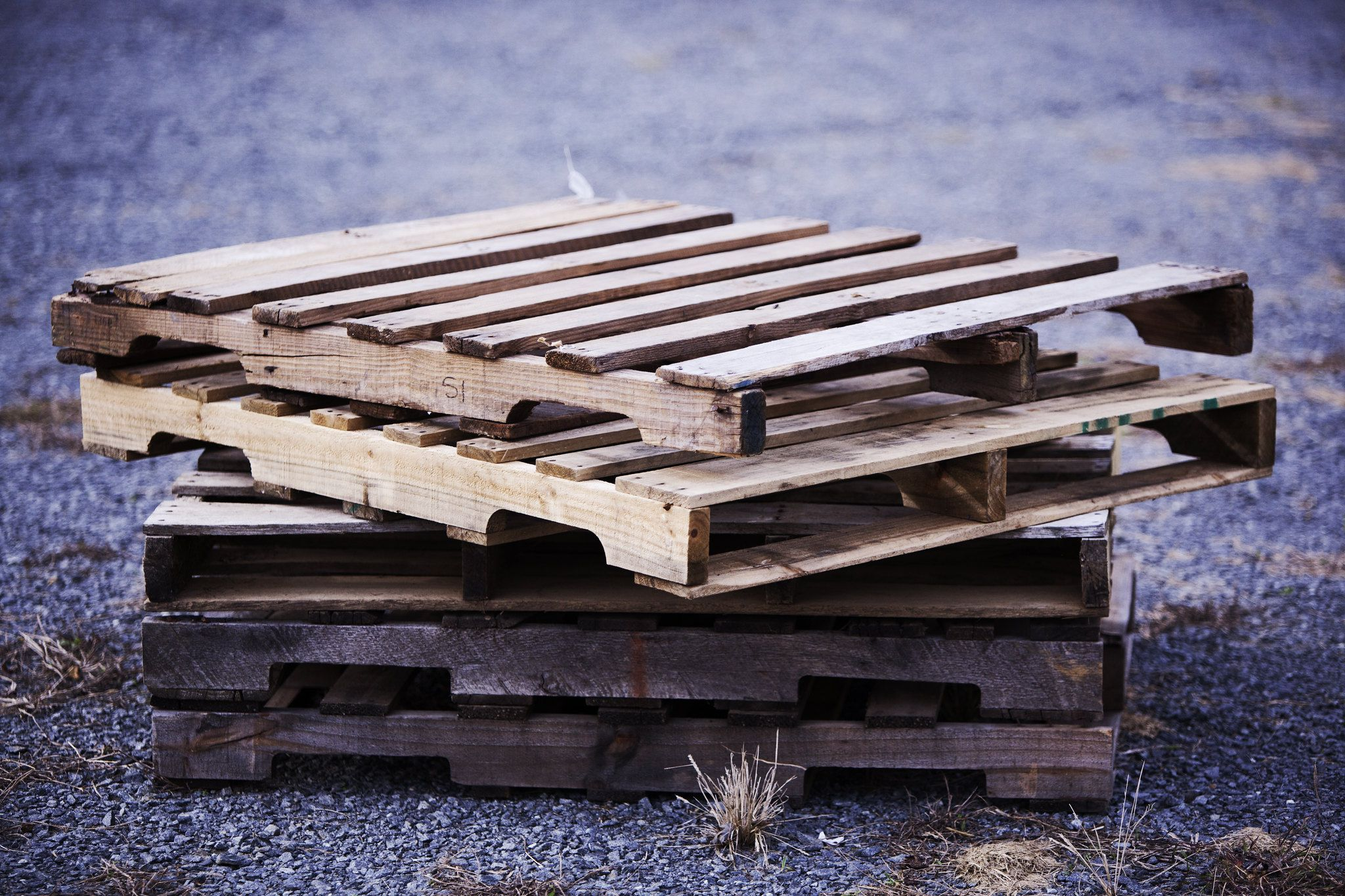 Finding Wood Pallets for DIY Projects