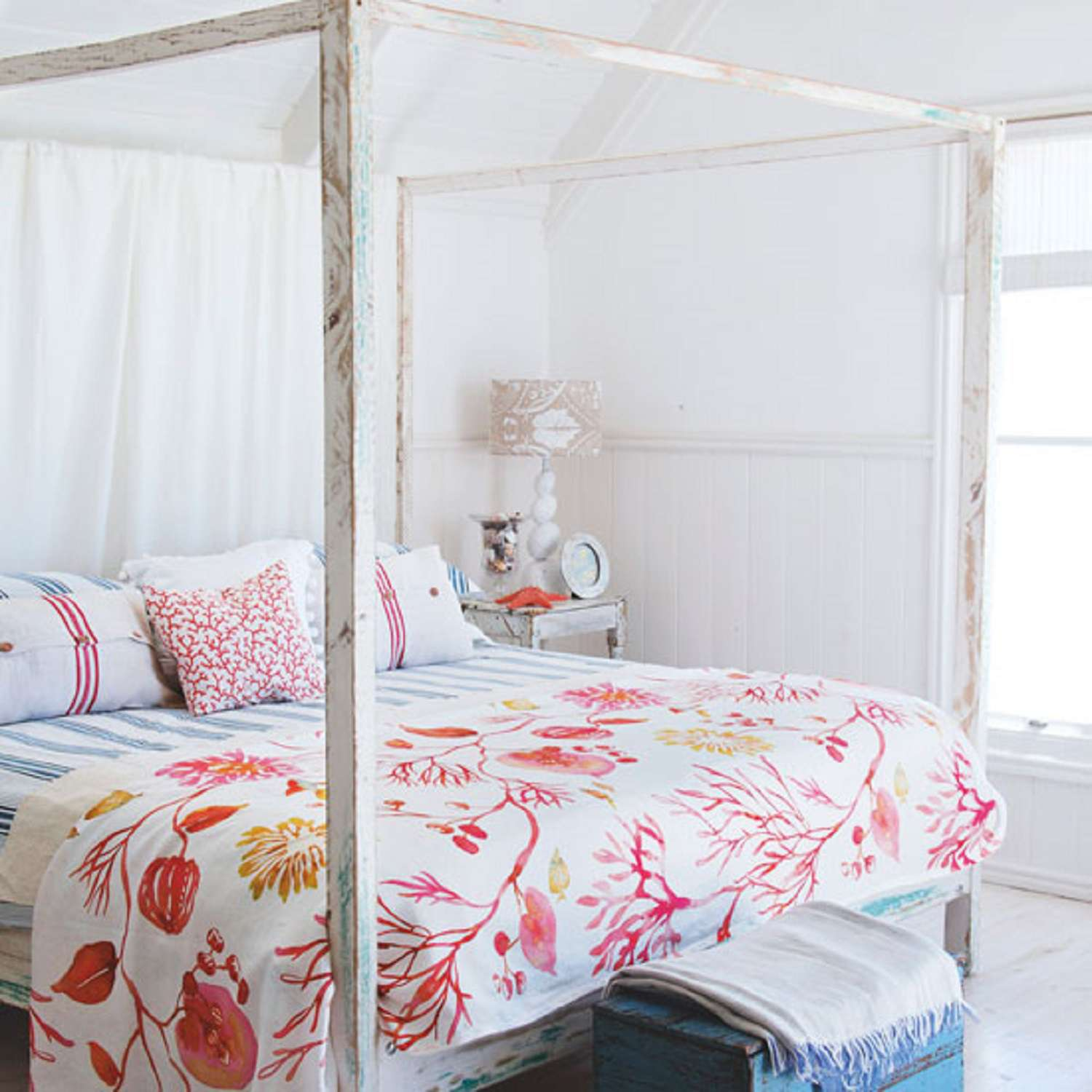 Coral printed bedding