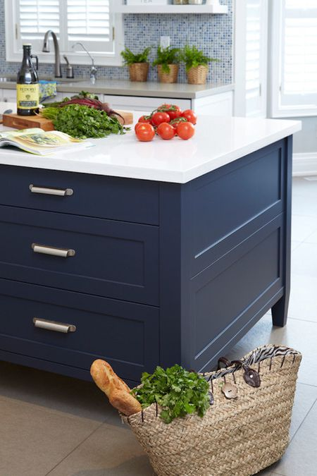3 Navy Blue Paint Options For Your Kitchen Cabinets