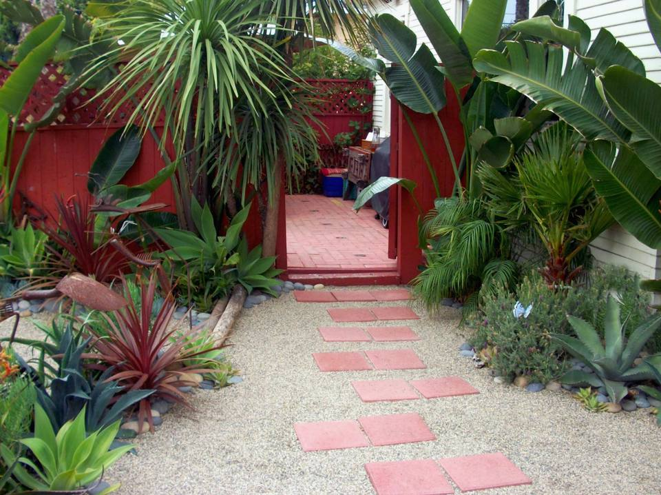 20 Stone Walkway Ideas For Homes And Gardens