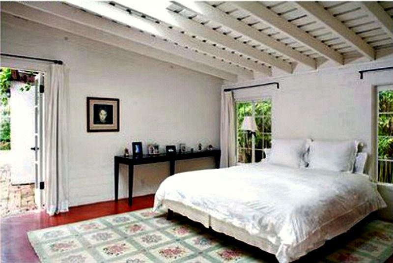Marilyn Monroe Bedroom | Take A Tour Of Marilyn Monroe S Brentwood House