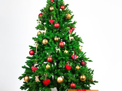 Five Homemade Christmas Tree Topper Ideas. the 8 best places to buy a christmas tree in 2018