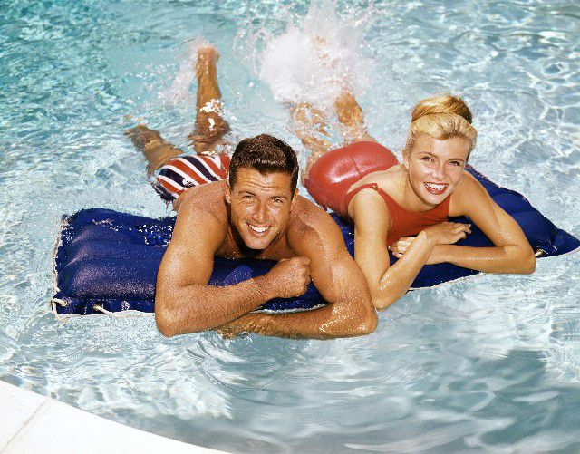 picture of retro couple in pool