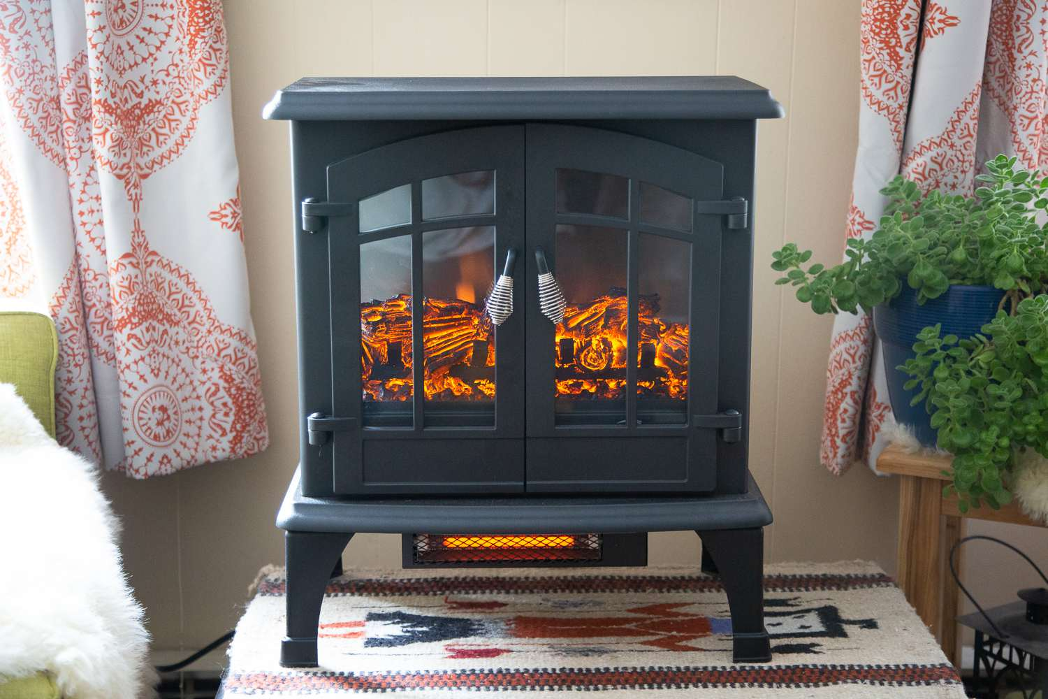 Excellent The 7 Best Electric Fireplace Heaters Of 2019 Home Interior And Landscaping Ologienasavecom